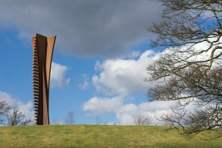 Nigel Hall, Crossing (Vertical), 2006. Photo Jonty Wilde. Courtesy Yorkshire Sculpture Park.