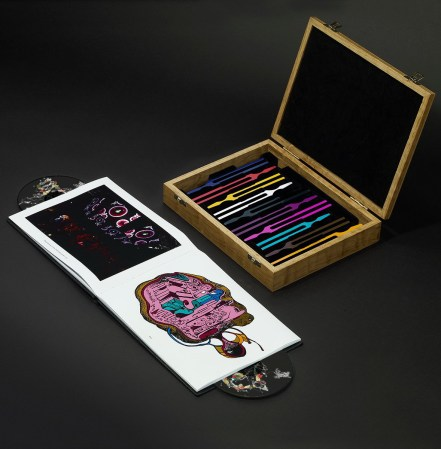 Biophilia (The Ultimate Art Edition) includes photographs, stories behind the songs, scores and lyrics; and a wooden box with 10 chromed tuning forks, each one adjusted to the tone of a Biophilia track, covering a complete octave in a non-conventional scale. Limited to 200 copies, each one numbered and made to order.