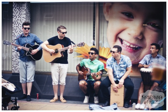 Buskers on Devonshire Street