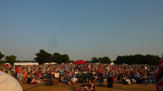 The audience at Folk by the Oak