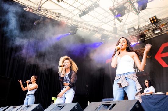 M.O. on the Main Stage © Roseanna Hanson