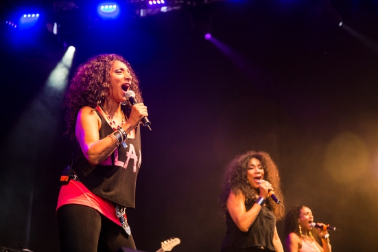 Sister Sledge on the Main Stage © Roseanna Hanson
