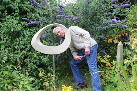 Sculptor Jim Milner